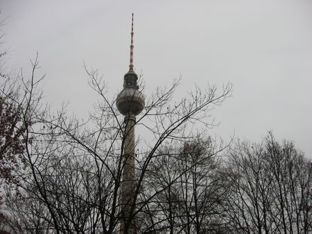 berlin-tv-tower-in-winter